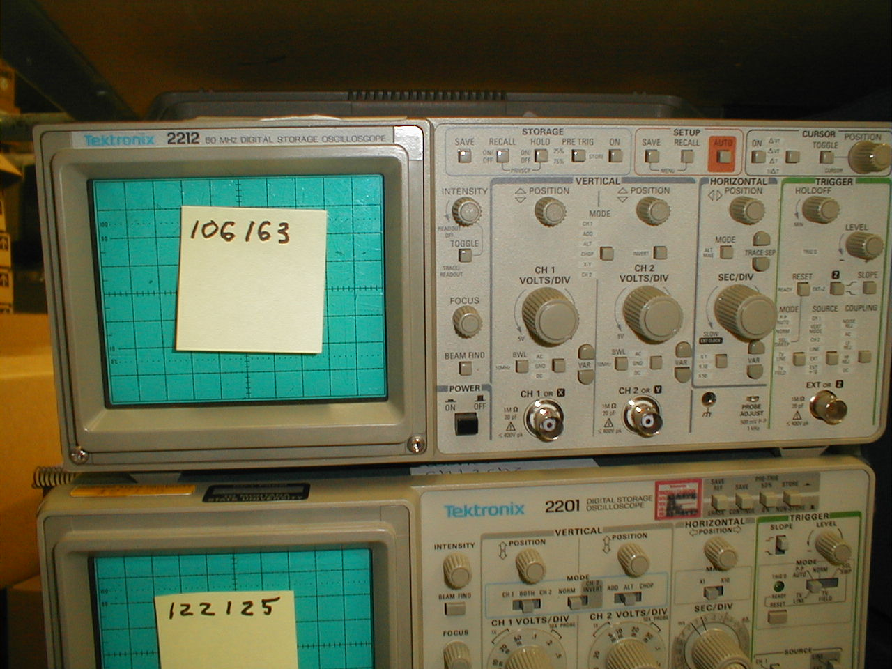 Front view of Tektronix 2212 oscilloscope