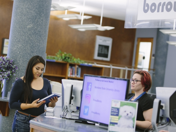 Students at Montana State University Renne Library.   MSU photo by Kelly Gorham
