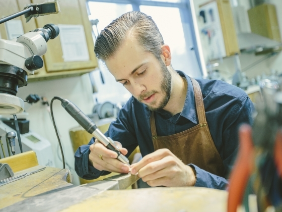 MSU student jewelry virtuoso wins international contest