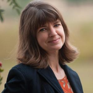 A portrait of writer Anika Hanisch