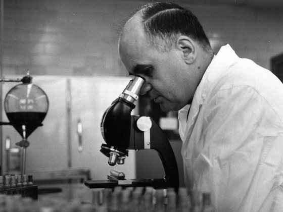 HIlleman in lab | Photo courtesy Hilleman family