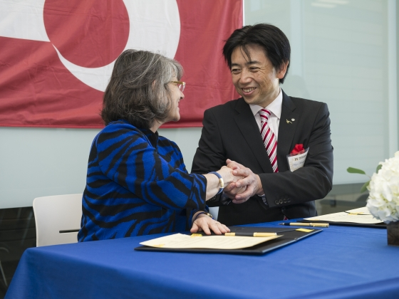 MSU president Waded Cruzado shaking hands with Mifune, Kumamoto, Japan mayor Masayuki Fujiki. | MSU photo by Kelly Gorham