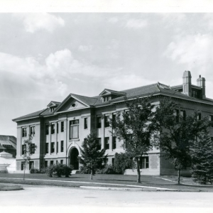 Linfield Hall c. 1940