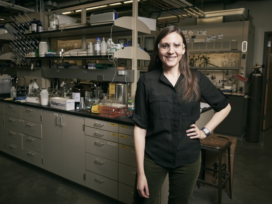 Portrait of Sharon Neufeldt inside a lab