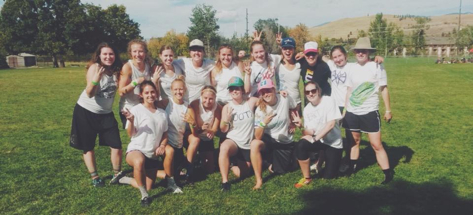 womens ultimate frisbee team photo fall 2014