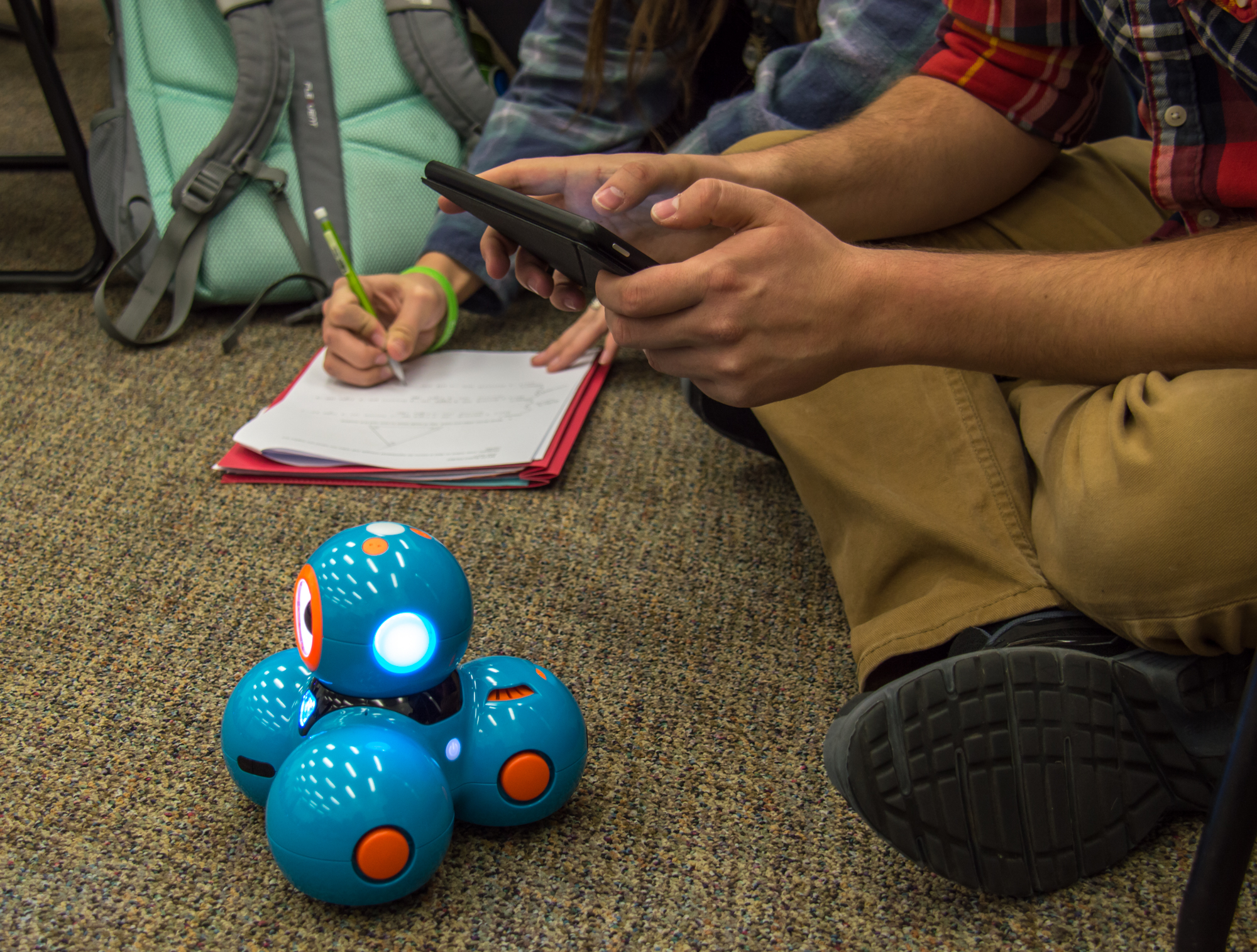 Students use robots in their math class